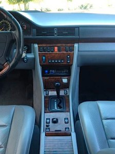 94 Mercedes Benz E500 int