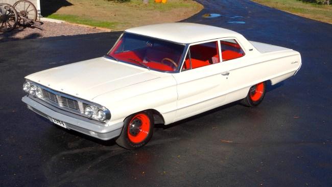 64 Ford Custom fr