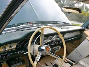 65 Chrysler 300L  int