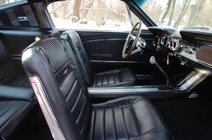 65 Mustang int