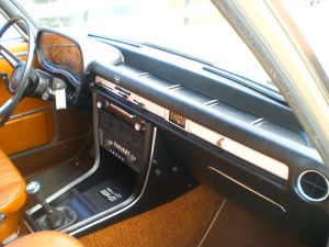 69 BMW 2500 int