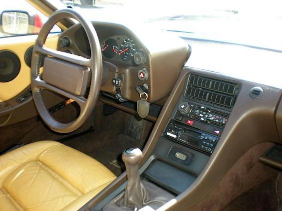 Porsche 1985 928S 024