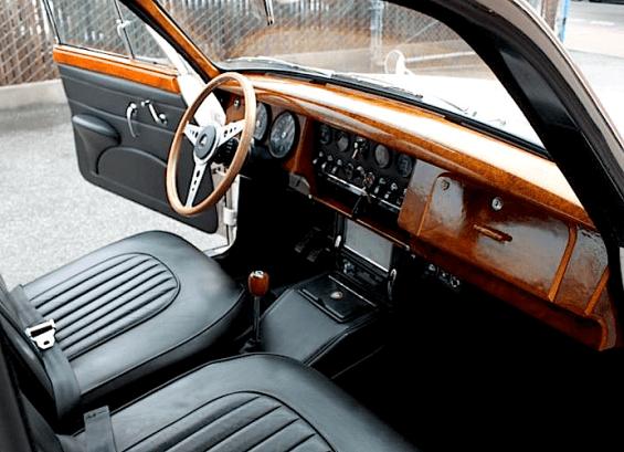 67 Jaguar int
