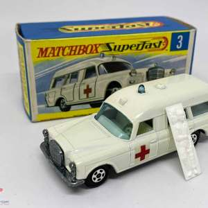 Matchbox Superfast 3a Mercedes Benz Binz Ambulance