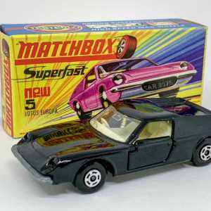 Matchbox Superfast No.5a Lotus Europa twin pack issue - plain black body with high arches and without tampo print, clear windows, ivory interior, bare metal base, dot-dash wheels - Excellent Plus in generally Excellent Plus box type H box.
