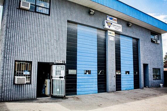 mint-auto-body-store