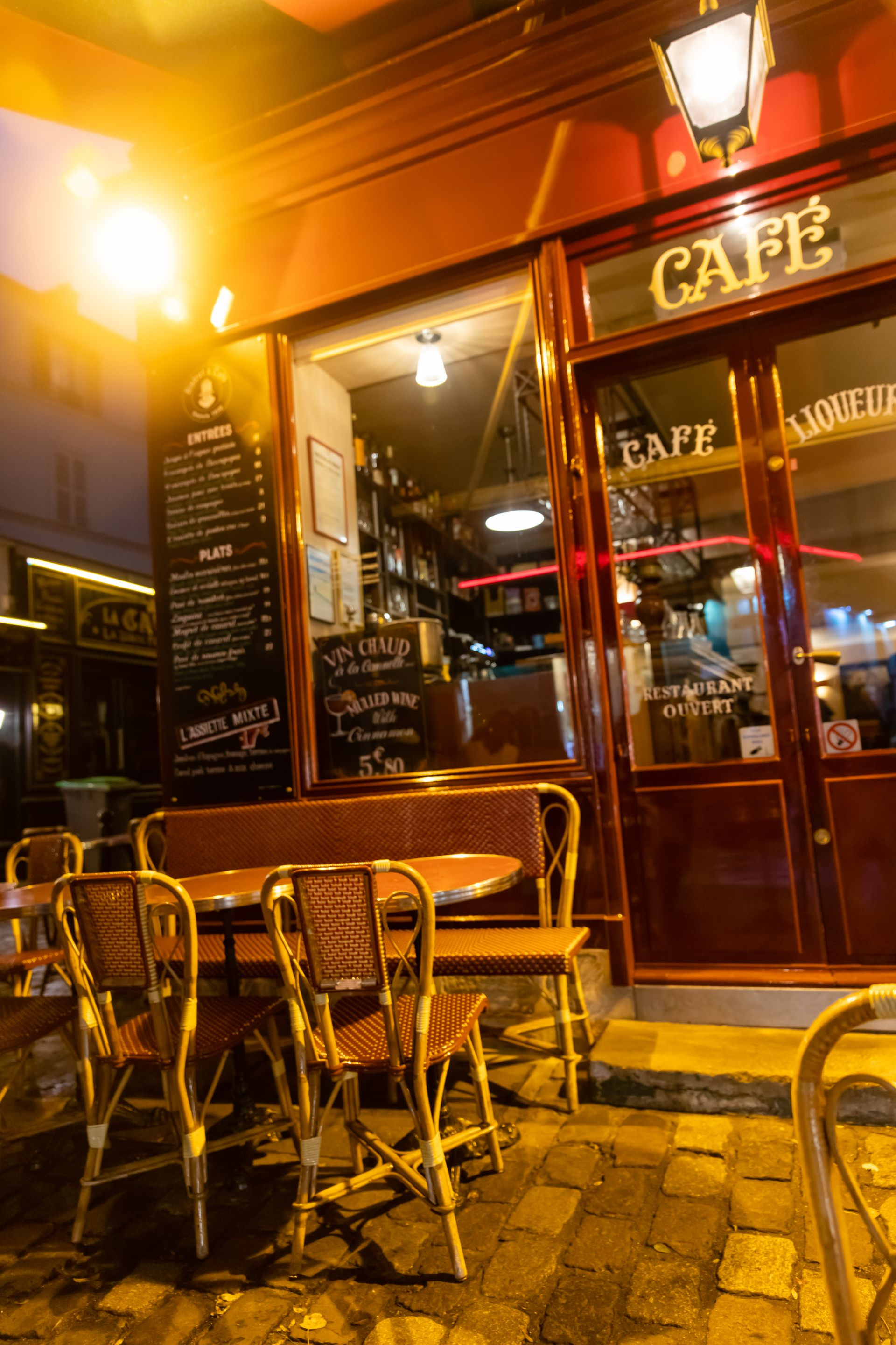 Cafe Le Consulat Paris France