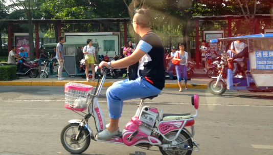 China: The type of bikes people ride to work on always fascinates me! #bikeculture #XianScenes