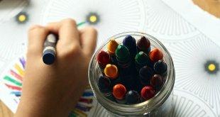 crayons g8b4a34a6b 640