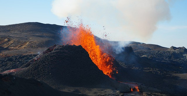 volcano gc4a3bb9f1 640