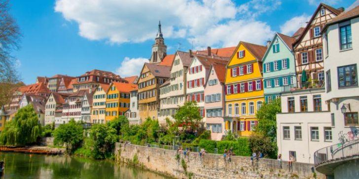 Ingrijirea batranilor in Germania - o solutie temporara pe timp de griza stuttgart
