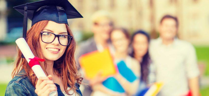 Surse de finanțare pentru cei care studiază în UK