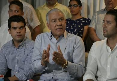 Andrés Bautista retira candidatura a la presidencia del PRM
