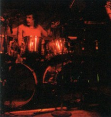 Discografia Rush - Parte 3 - Caress of Steel-band06