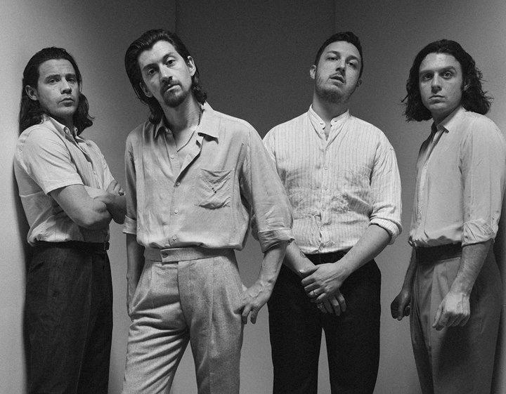 "(Escapou) Arctic Monkeys ""vaza"" vinda ao Lollapalooza 2019"