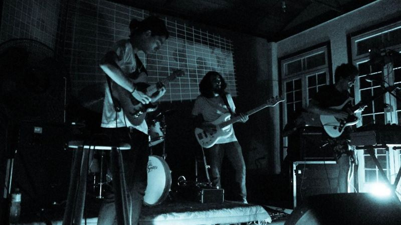 "Exclusivo: Ouça ""Acidez"", novo single da Applegate"