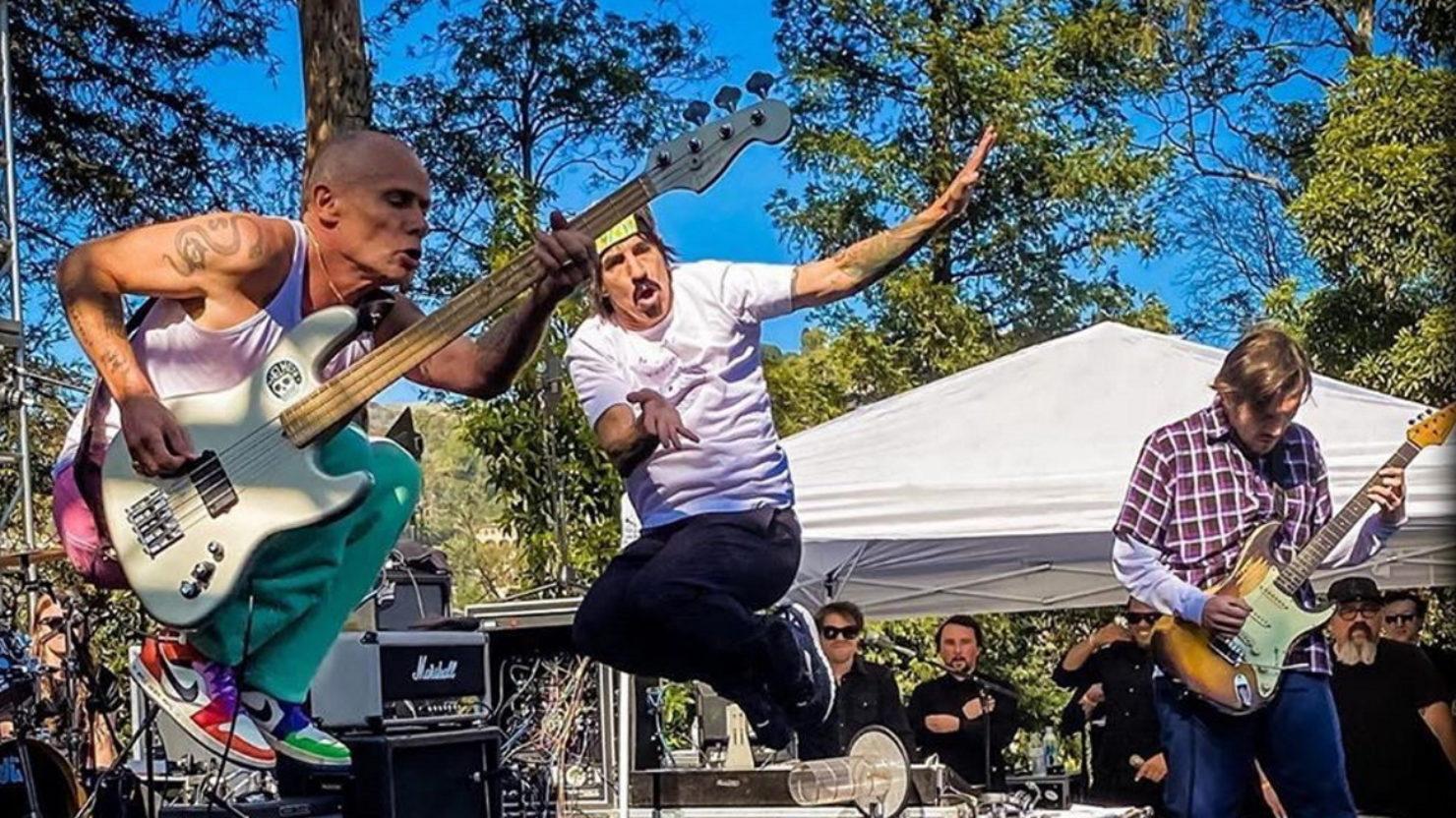 Red Hot Chili Peppers faz primeiro show após volta de John Frusciante