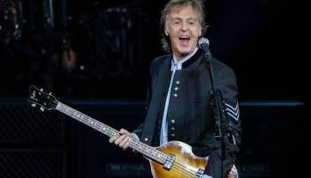 """Paul McCartney fala sobre os """"Beatles serem melhores que o Stones"""""""