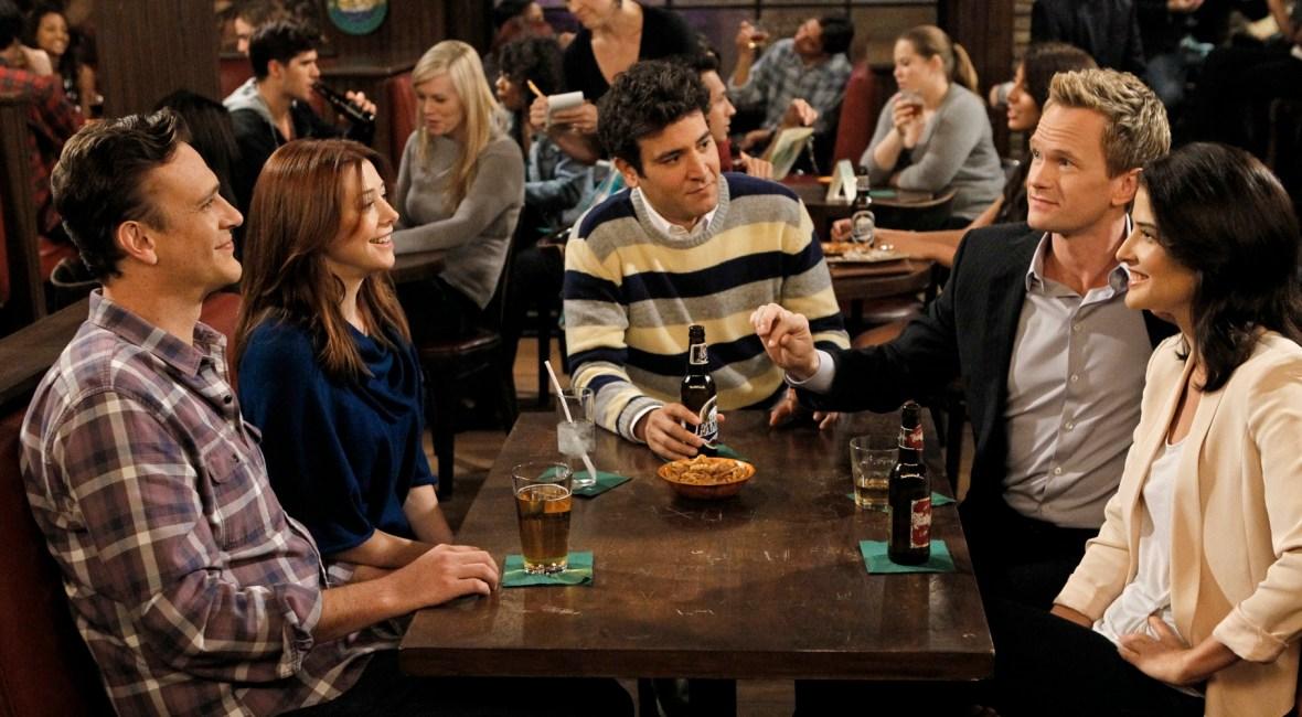"""Josh Radnor, o Ted Mosbey de How I Met Your Mother faz piada com história da série: """"Poderia ter sido em 15 minutos"""""""