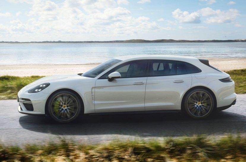 Porsche-Panamera-Turbo-S-E-Hybrid-Sport-Turismo-270917-04
