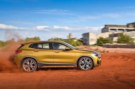En el lateral recuerda a los viejos modelos de BMW con la colocación del emblema de la marca sobre el pilar C. Foto: Prensa BMW