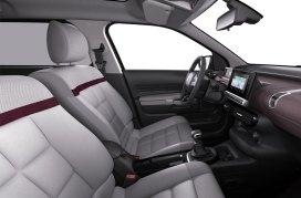 Interior minimalista con pantalla multifunción y tablero digital. Foto: Prensa Citroën