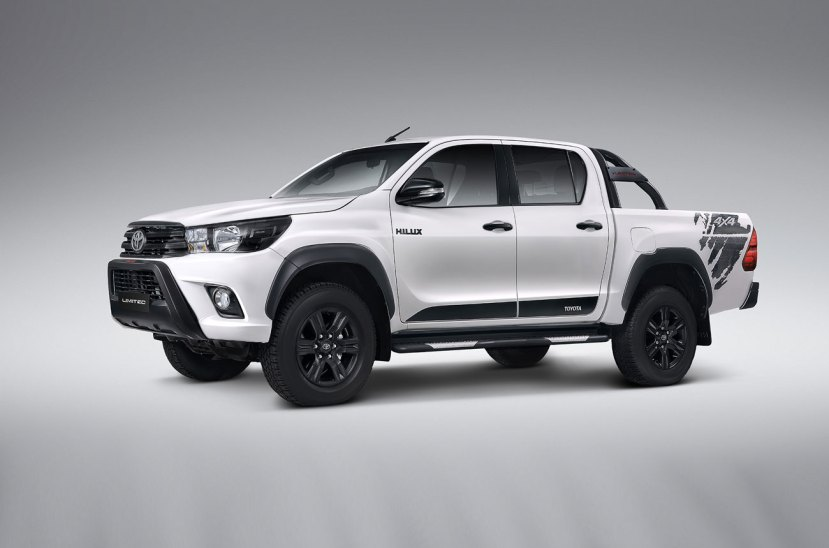 Toyota-Hilux-Limited-031017-05