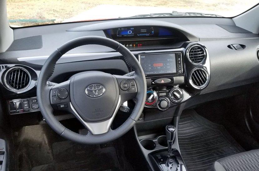 Test: Toyota Etios XLS AT 2018 (Minuto Motor) ToyotaEtiosTest-04