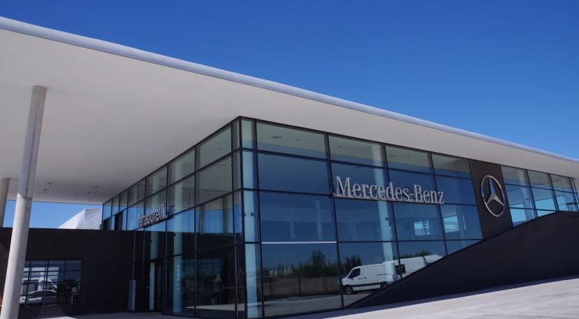 red de ventas de Mercedes-Benz