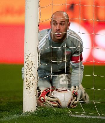 Pepe Reina. Steaua - Liverpool. 2 november 2010