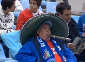 Soccer-fan-smokes-largest-cigar-ever