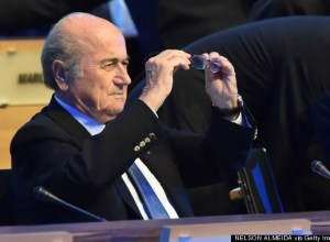 Sepp BLATter - AFP PHOTO/ NELSON ALMEIDA (Photo credit should read NELSON ALMEIDA/AFP/Getty Images)
