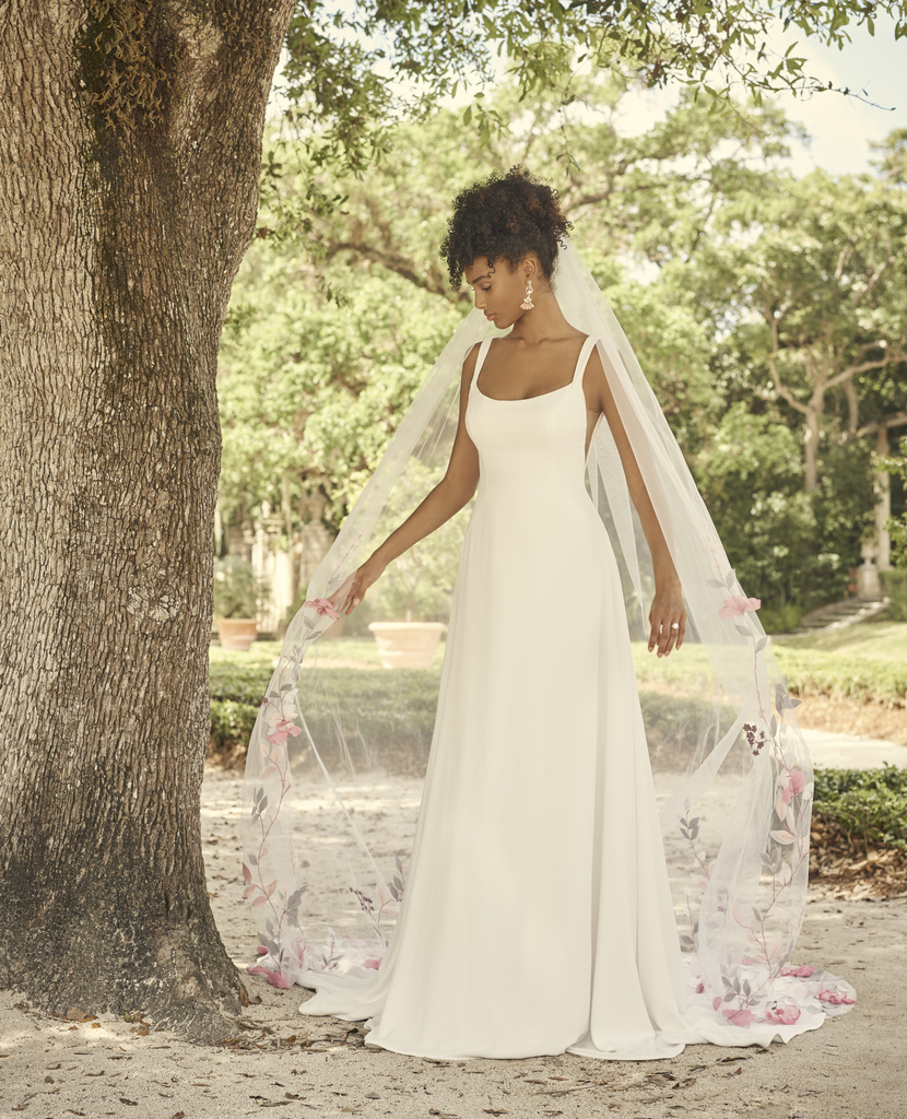 Large – Maggie-Sottero-Sondra-21MW801A01-Main-IV-uncropped
