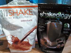 310 shake vs shakeology review