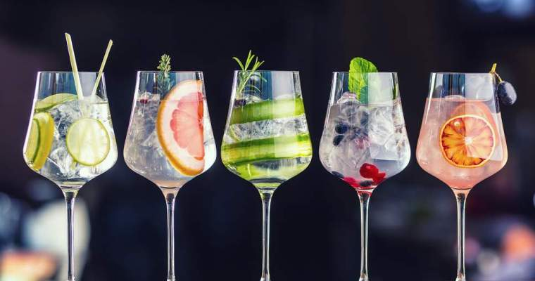 Short History of the Oldest Cocktails in the World and How to Make Them