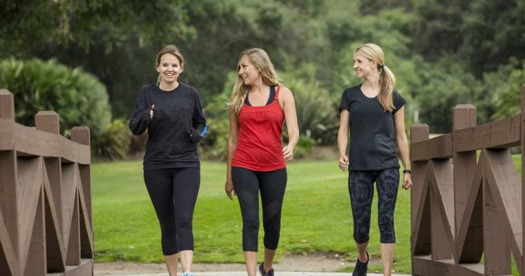 5 Amazing Health Benefits of Walking 10,000 Steps a Day
