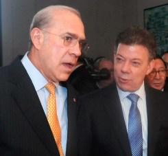130530 presidente_santos_paris