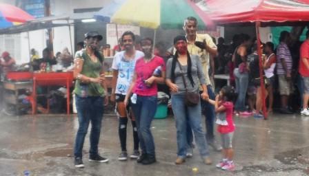 El Grupo : Juli, Pamen, Flaco, Pekas, Dana