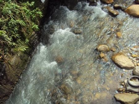 Rio Mulato - Mocoa. Foto : http://aguamazonia05.blogspot.com/2011/04/mision-el-grupo-aguamazonia-se.html
