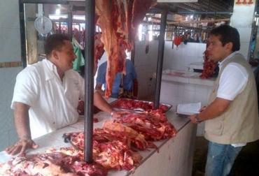 Líderes gremiales manifestaron la necesidad que hay de aumentar las revisiones y controles en los puntos de venta y expendios de carne. Foto: Joanpa.com.