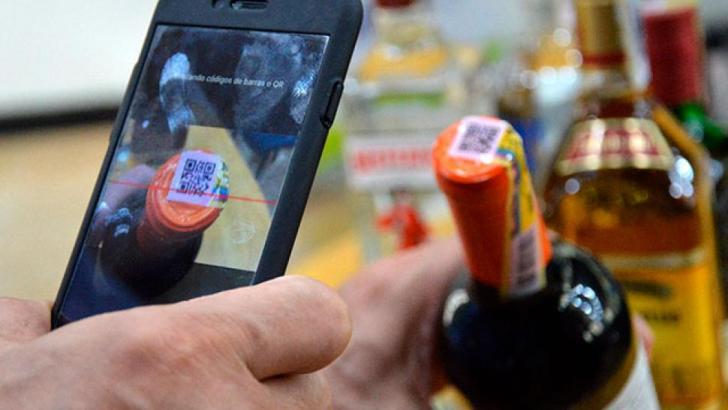 ¿Consume licor? Crean aplicación que le permitirá identificar si es de contrabando o adulterado