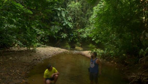 Un colombiano y un chileno recorren a pie la Amazonia colombiana