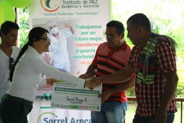 La Gobernadora Sorrel Aroca entregó los bonos a beneficiarios de Alianzas Productivas