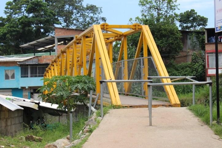 Puente Peatonal - Río Mulato