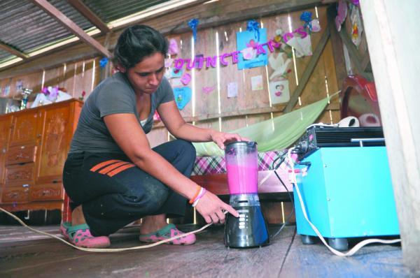 Luz solar en Orito, un paliativo al olvido estatal
