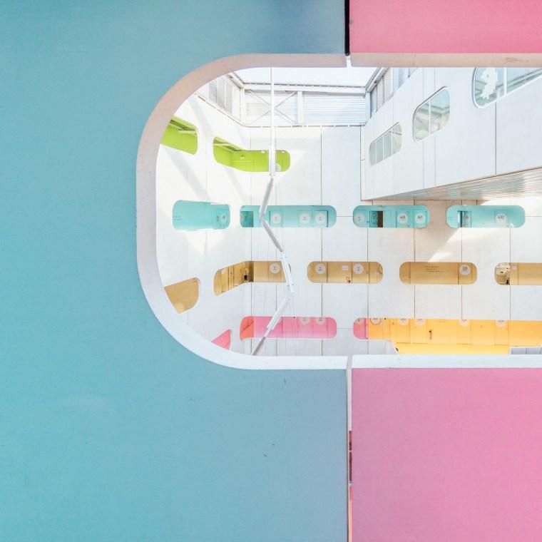 Photographie et architecture: Université colorée à Paris