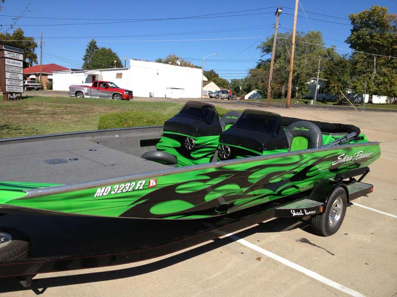 shoalrunner green and black boat