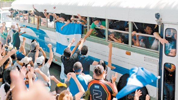 Estudiantes de Nicaragua denuncian que fueron atacados «sin piedad» por paramilitares