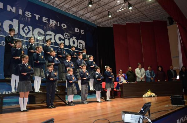 Educación estrena el Himno Nacional en Lenguaje de Señas