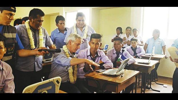 El vicepresidente inaugura un colegio